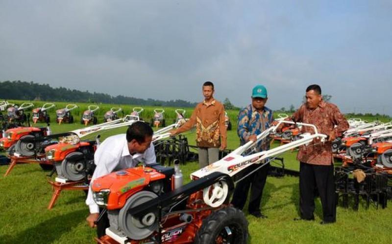 Kementan Berikan Bantuan Alsintan untuk Pacu Geliat Pertanian