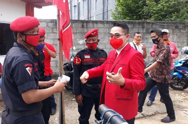 Kenakan Jas Merah, Zaiful Bokhari Sambut Dukungan PDIP