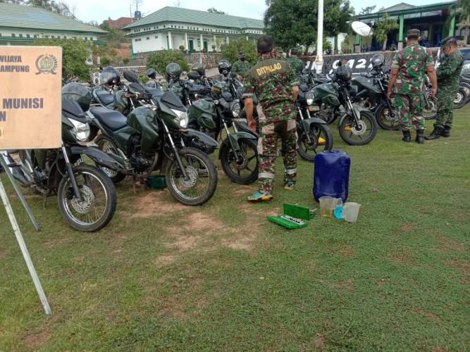 Kendaraan dan Persenjataan PrajuritKodim 0427/Way Kanan Dicek