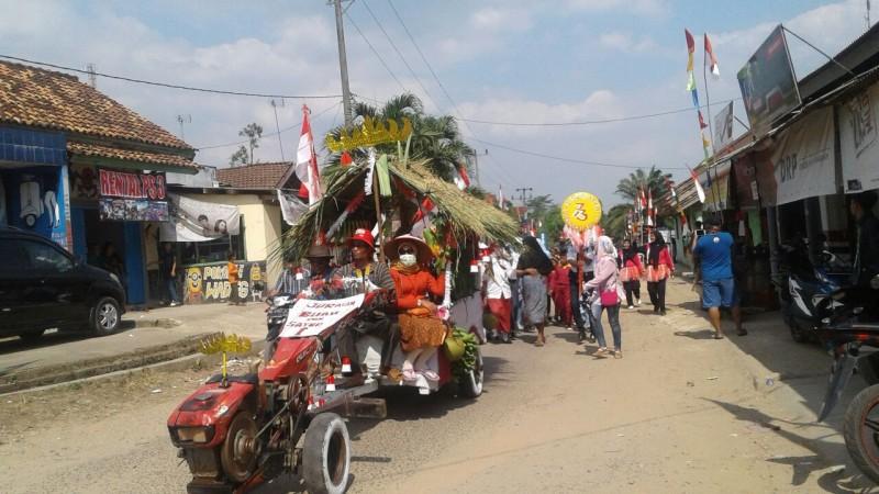 Kendaraan Hias Meriahkan Peringatan HUT Ke-73 RI di Desa Kemalo Abung