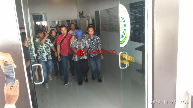 Kepala Kampung Umpu Bhakti Ditahan