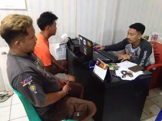 Kepergok Nyabu, Dua Pemuda Digelandang ke Polsek Abung Tengah