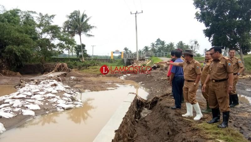 Kerugian Banjir Way Pisang Ditaksir Mencapai Ratusan Juta