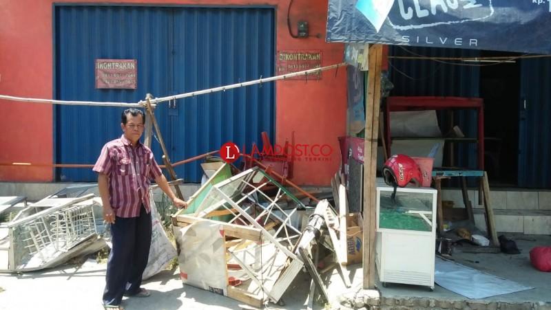 Kerugian Warung Dihantam Fuso Capai Rp22 Juta