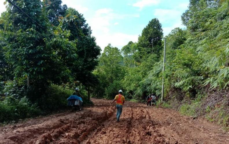 Kerusakan Jalan Sukabumi-Suoh Mulai Ditangani