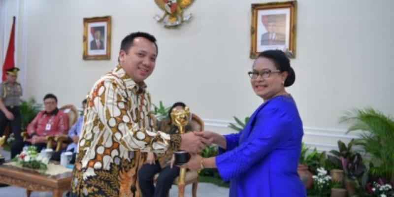 Ketiga Kalinya Gubernur Lampung Meraih Penghargaan Anugerah Parahita Ekapraya