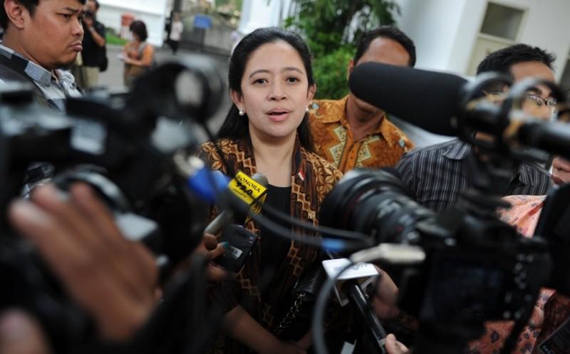 Ketua DPR: Pemerintah Jangan Sampai Kecolongan Lonjakan Covid-19 di Luar Pulau Jawa