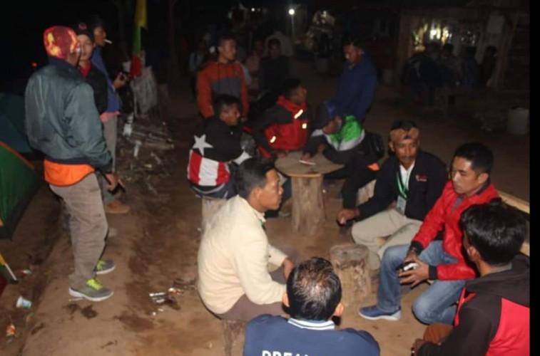 Ketua DPRD Lambar Habiskan Malam di Gunung Temiang