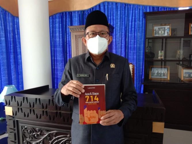 Ketua DPRD Pesisir Barat Apresiasi Terbitnya Buku 714 Wakil Rakyat Lampung