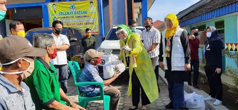 Ketua IIPG Lampung Salurkan Bantuan Sembako ke Masyarakat Tanggamus