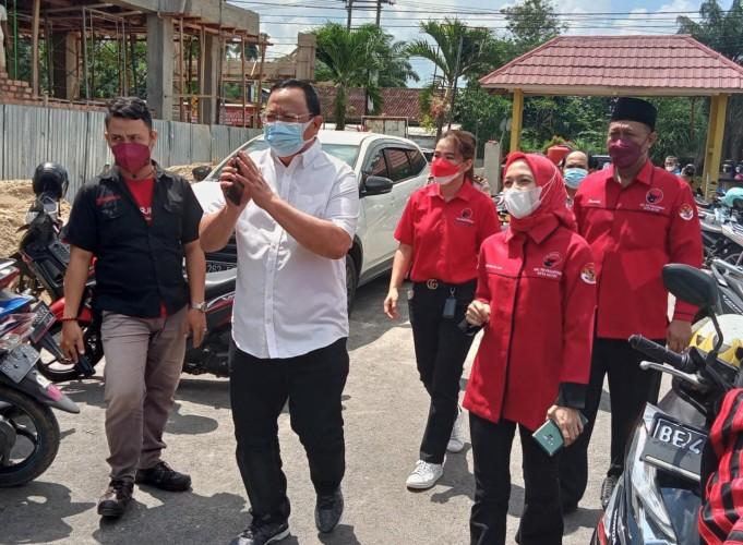 Ketua Komisi IV DPR RI Pantau Vaksinasi Covid-19 di Kota Metro