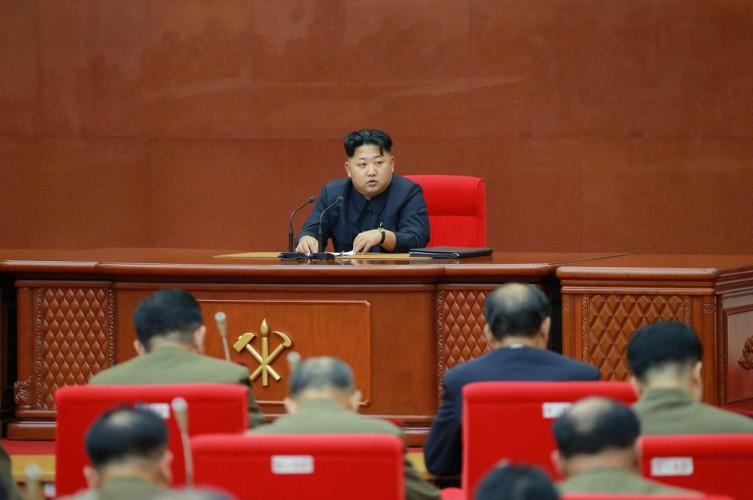 Kim Jong-un Gelar Pertemuan Militer Jelang Deadline 2019