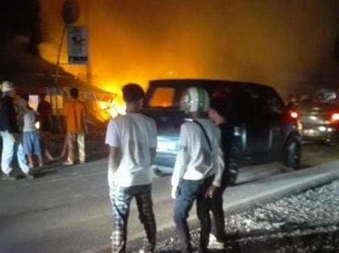 Kios Bensin di Jalinsum Katibung Ludes Terbakar