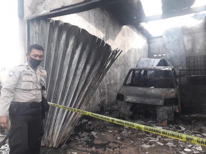 Kios Terbakar Jadi Tempat Penimbunan BBM