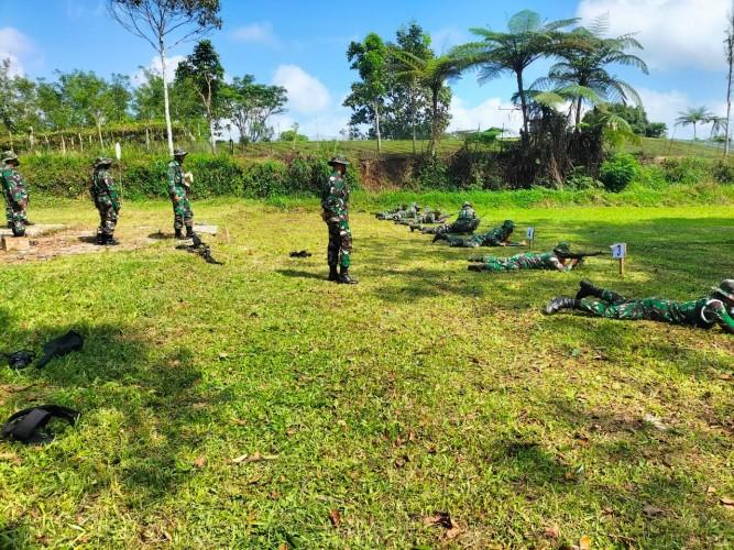 Kodim 0422 Lambar Tingkatkan Kemampuan Personel dengan Latihan Menembak