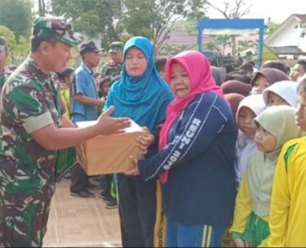 Kodim 0427 Isi Hari Juang TNI AD dengan Bakti Sosial