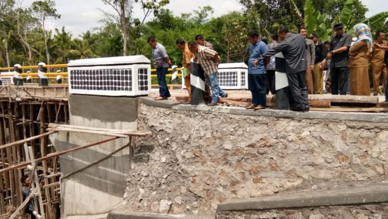 Komisi III DPRD Sidak Proyek Jembatan Ambrol di Palas