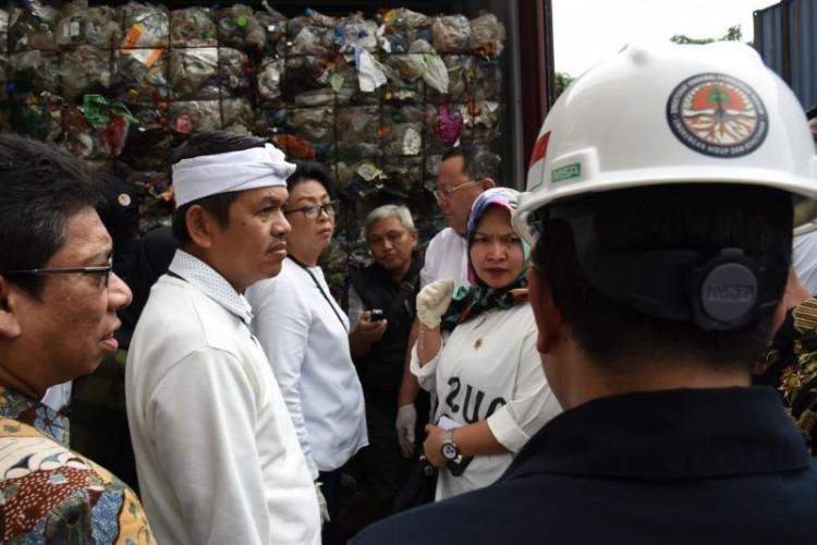 Komisi IV DPR Temukan 70 Kontainer Sampah Impor