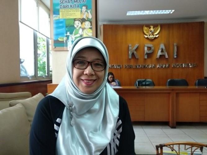 Komisioner KPAI Sitti Hikmawatty Diberhentikan Tidak Hormat