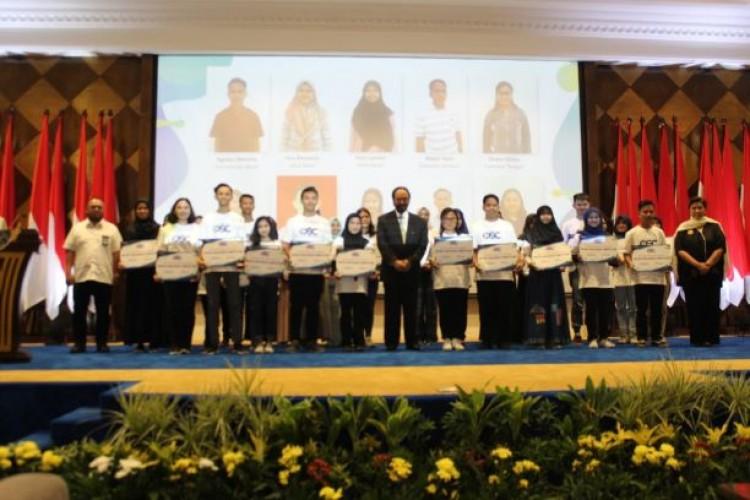 Komitmen Surya Paloh dan OSC terhadap Pendidikan Indonesia