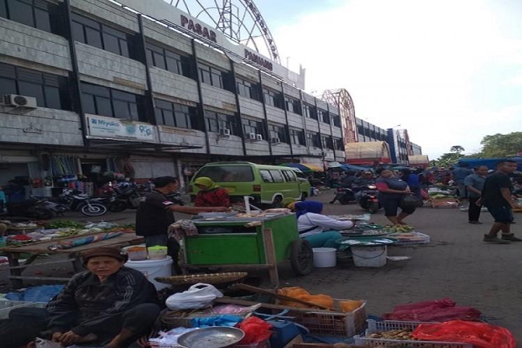 Kondisi Pasar Panjang Semakin Semrawut