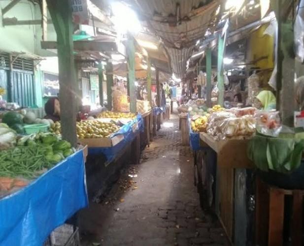 Konsumen Pilih Belanja <i>Online</i>, Pedagang Pasar Menjerit