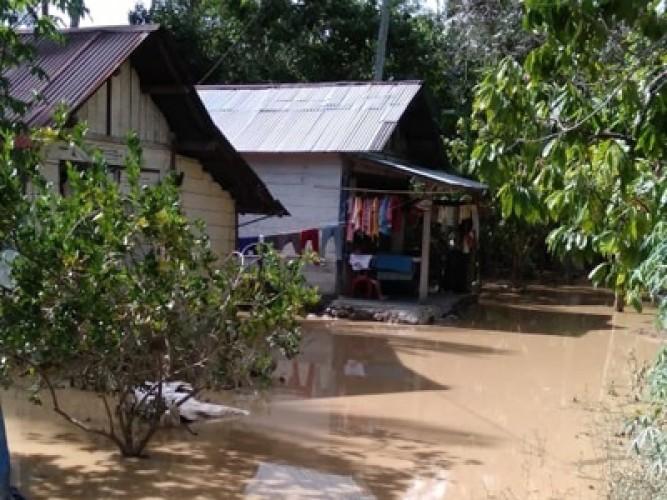 Korban Banjir Semaka Kembali ke Rumah
