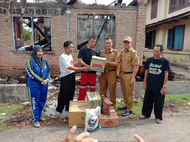 Korban Kebakaran di Penumangan Dapat Bantuan Rp10 Juta