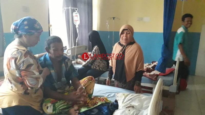 Korban Keracunan Massal di Mesuji Jadi 221 Orang