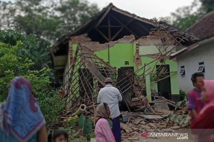 Korban Meninggal Akibat Gempa Malang Berjumlah 8 Orang