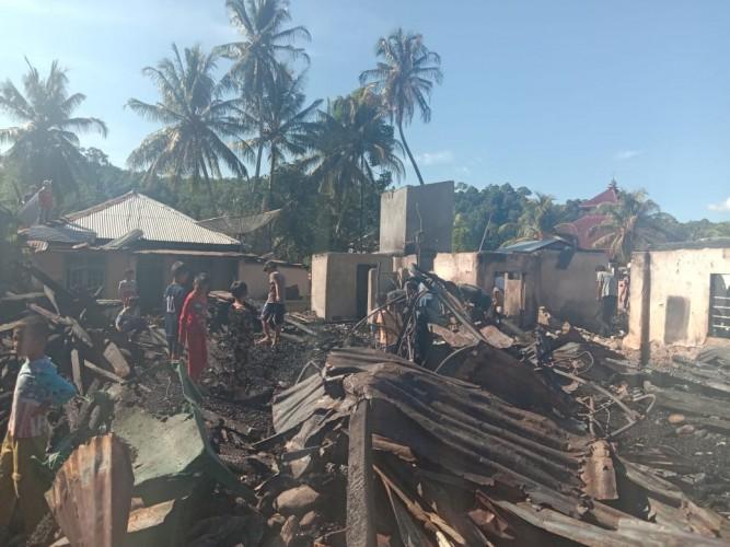 Korsleting listrik Diduga Picu Kebakaran di Penggawalima Ulu