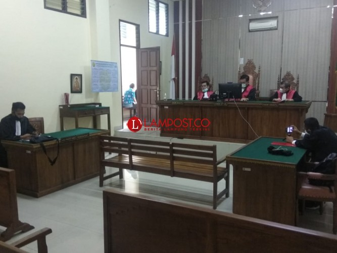 Korupsi Beras Sejahtera, Mantan Kepala Kampung Dituntut 5,6 Tahun Penjara