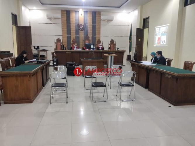 Korupsi DD Rp389 Juta, Kades Kutawaringin Duduk di Kursi Pesakitan