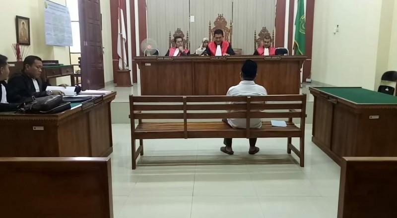 Korupsi, Kepala SMAN 1 Mesuji Dituntut 2 Tahun