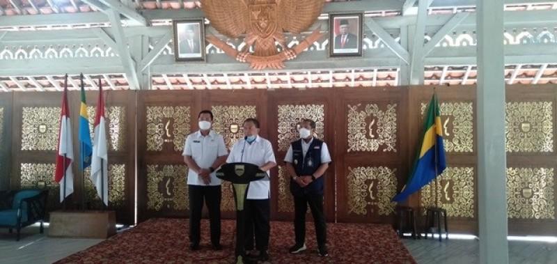 Kota Bandung Tetap Terapkan AKB meski Zona Merah