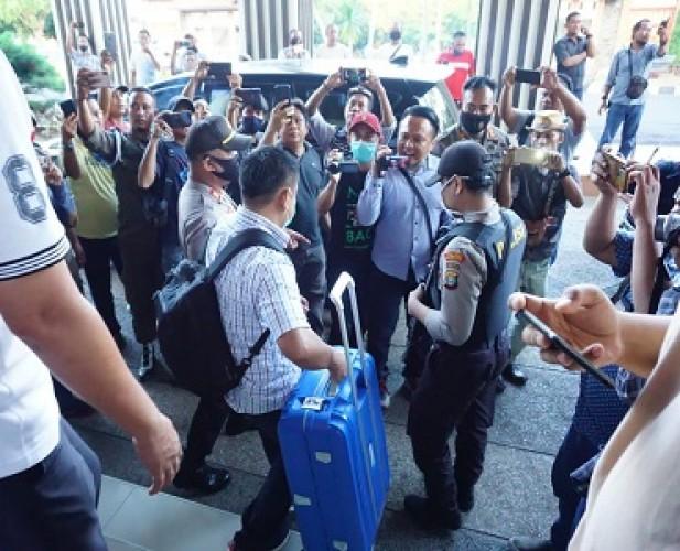 KPK Dikabarkan Mengamankan Dua Pejabat di Lamsel