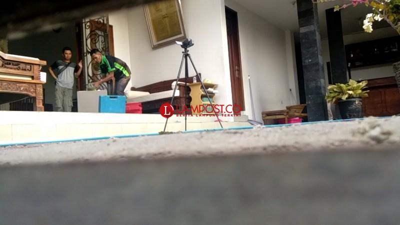 KPK Geledah Brankas dan Kotak Rahasia Milik Bupati Lampura