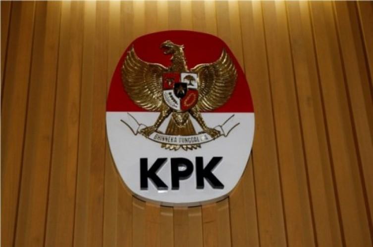 KPK Laporkan Aksi Tembakan Laser Greenpeace ke Polisi