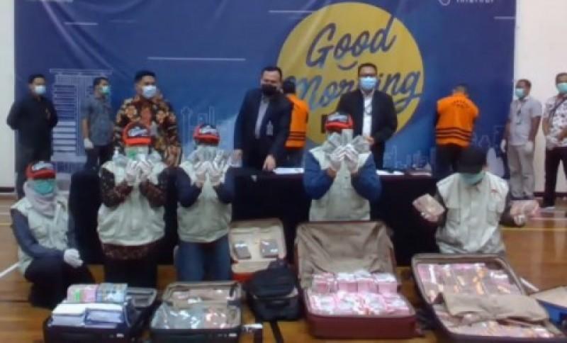 KPK Segera Usut Aliran Uang Korupsi Bansos Covid-19