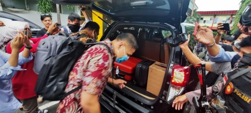 KPK Sita Uang dan Dokumen dari Rumah Nurdin Abdullah
