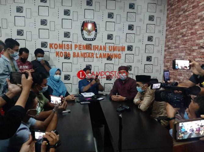 KPU Diskualifikasi Eva Dwiana-Deddy Amarullah