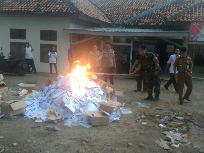 KPU Kota Bandar LampungMusnahkan 24.887 Surat Suara Rusak