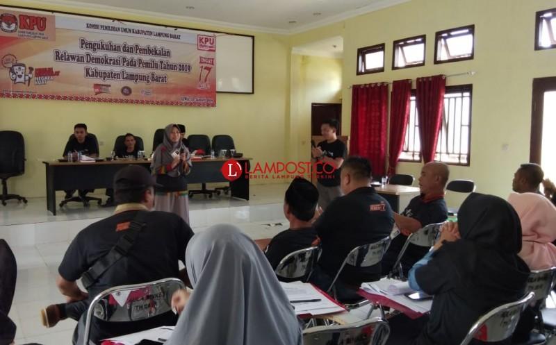 KPU Lambar Kukuhkan 55 Relawan Demokrasi