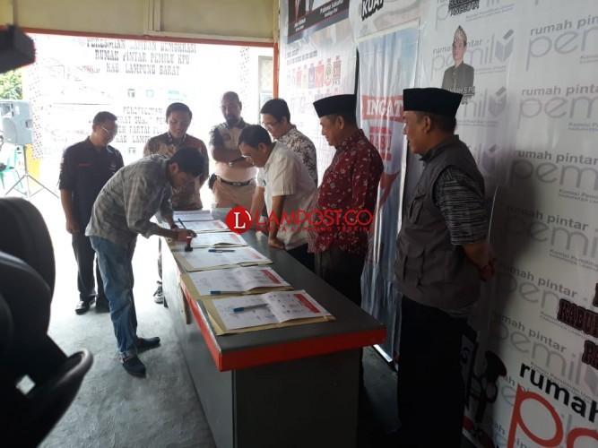 KPU Provinsi Resmikan Lamban Demokrasi Lambar