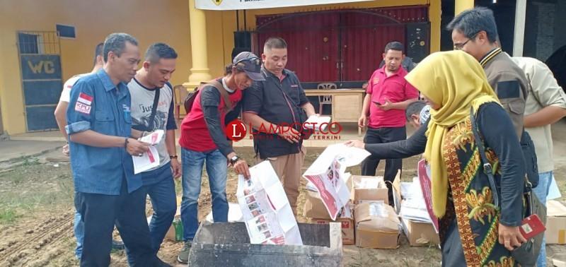 KPU Tubaba Musnahkan Ribuan Surat Suara Rusak