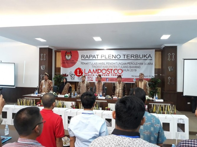 KPU Tulangbawang Gelar Rapat Pleno Rekapitulasi Tingkat Kabupaten