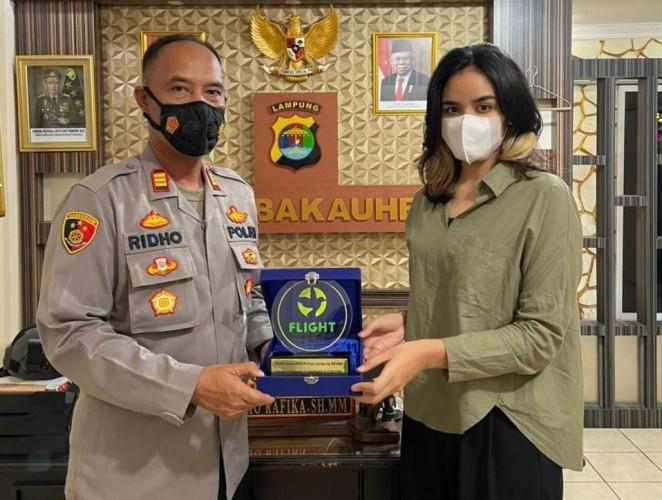 KSKP Bakauheni Diganjar Penghargaan karena Gagalkan Penyelundupan 6.075 Burung