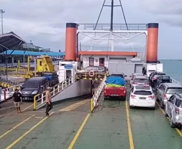 KSOP Ingatkan Nakhoda Ancaman Gelombang Tinggi Disertai Angin Kencang di Selat Sunda