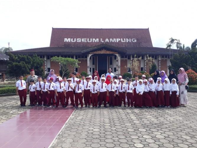 Kunjungi Museum, SDIT Pelangi Peringati Hari Pahlawan