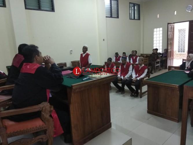 Kurir Sabu 2 Kg Asal Aceh Terisak Minta Keringanan Hukuman
